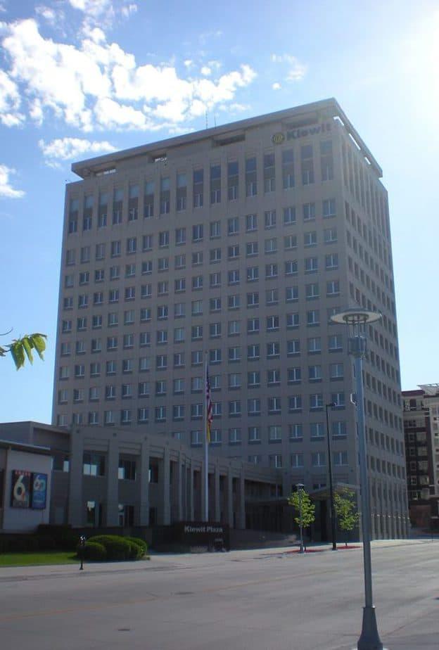 Headquarters da Berkshire Hathaway, Kiewit Plaza em Nebraska, Omaha